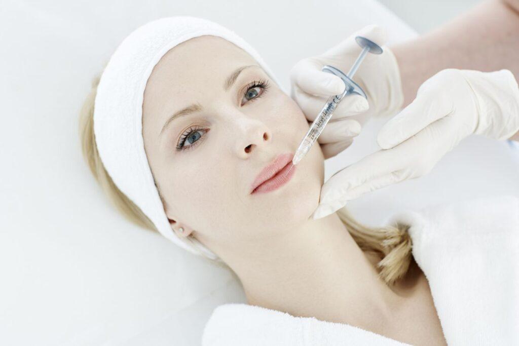makijaż permanentny ust a wypełniacze